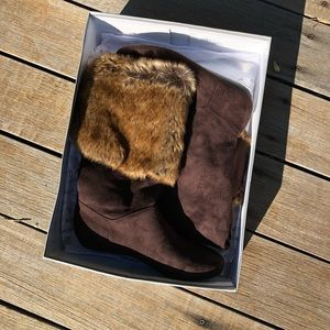 NWT Report Meloni Dark Brown Suede Faux Fur Boots